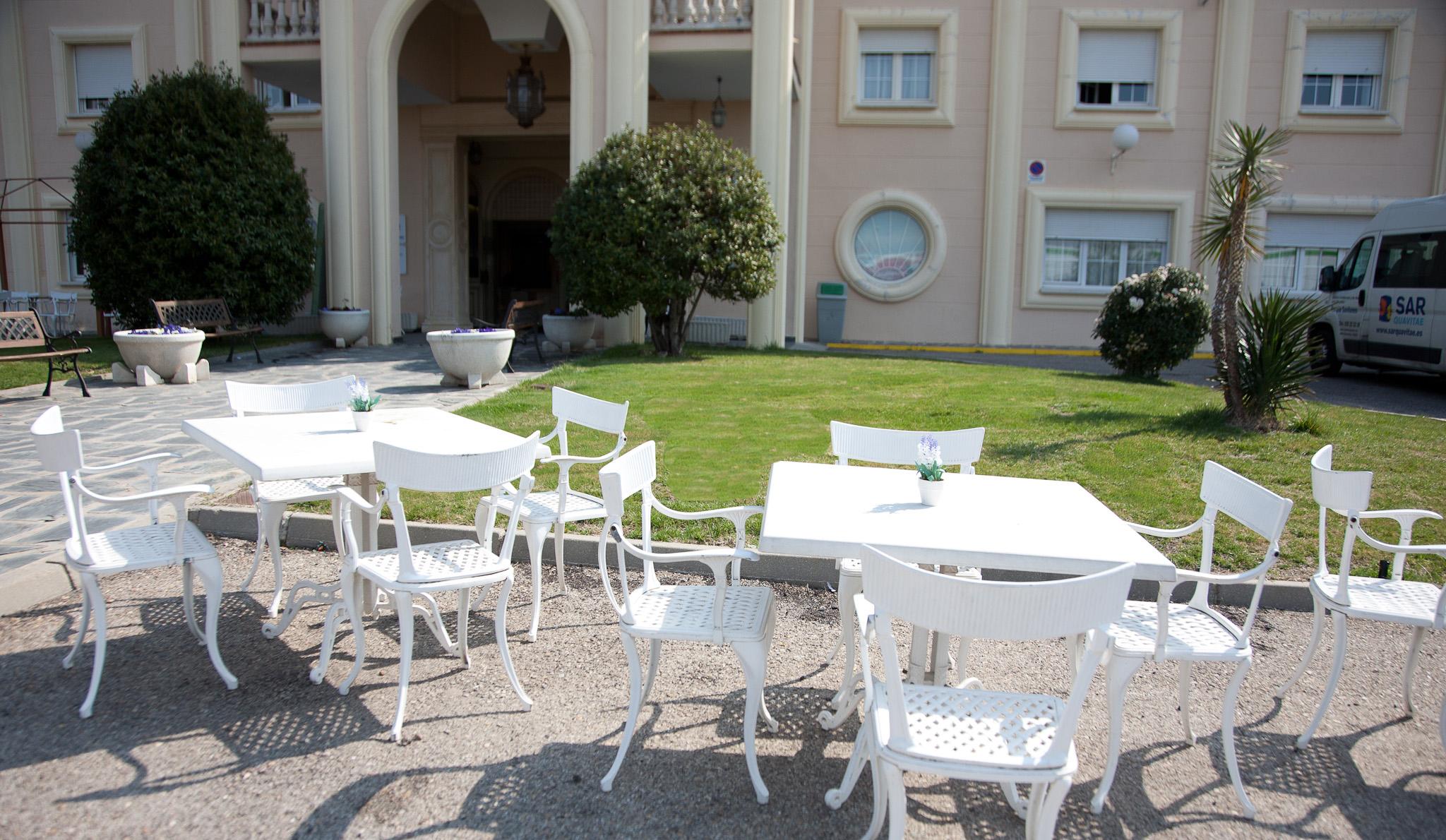 Terraza residencia de ancianos SARquavitae Parque Gavilanes Toledo