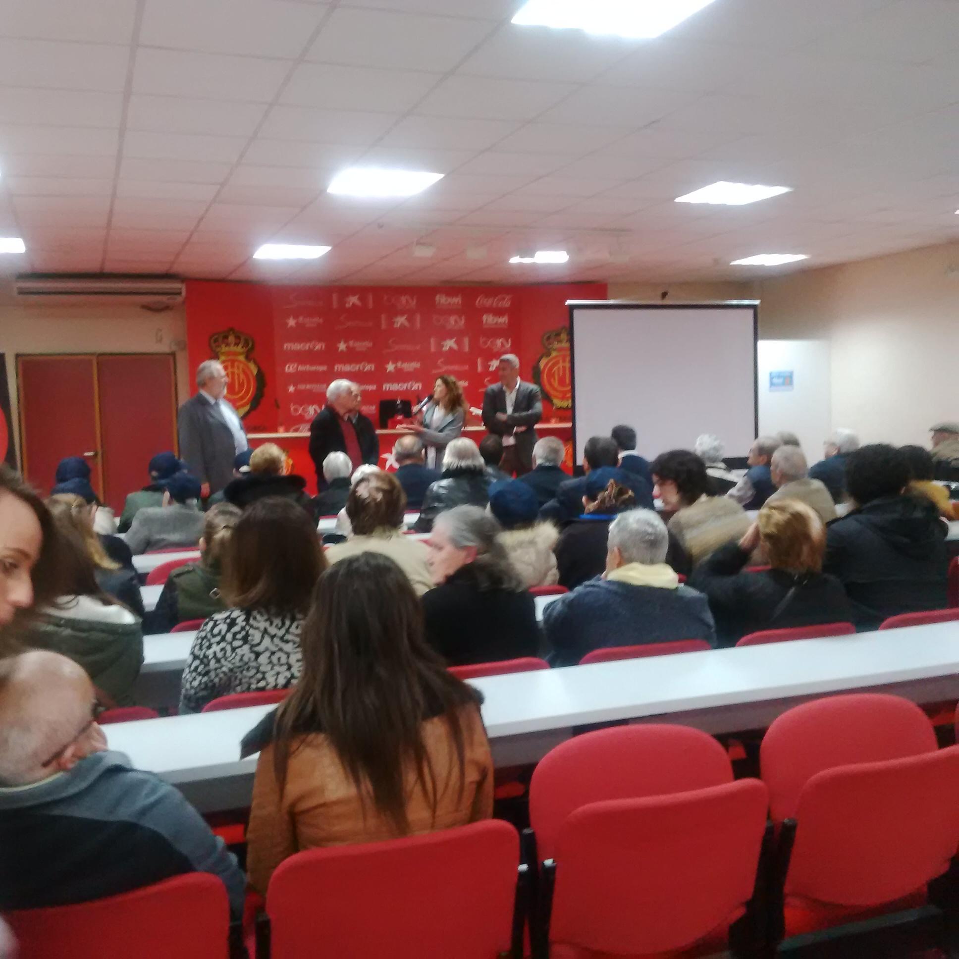 160127 las resis de Baleares visitan estadio mallorca5