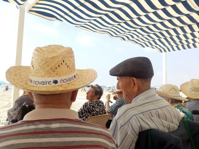 excursión a la playa centro DomusVi Santa Pola (5)