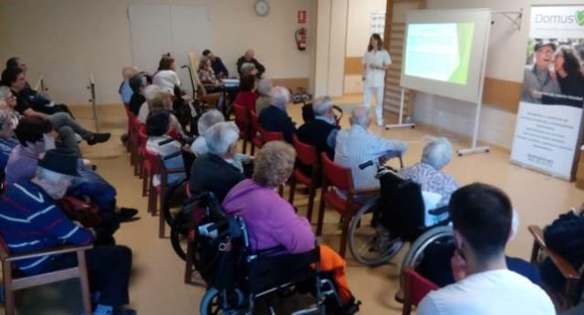 DomusVi Valdemoro 12 meses 12 charlas terapia ocupacional AVDS (2)