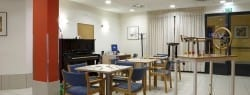 Sala de terapia residencia tercera edad SARquavitae Berra
