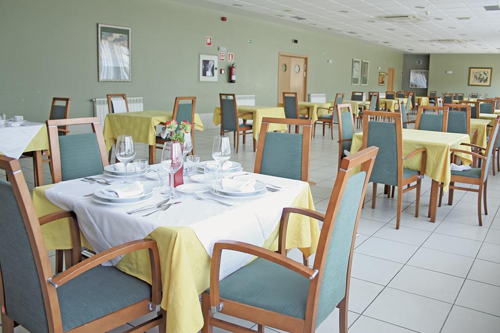 Comedor residencia tercera edad SARquavitae Miraflores  Bilbao, Vizcaya