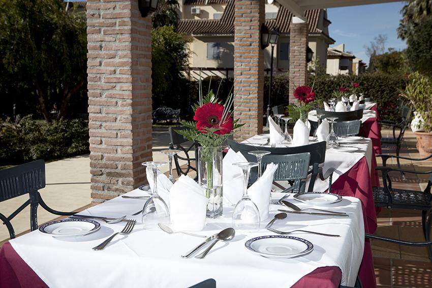 Comedor exterior residencia para ancianos SARquavitae Azalea Málaga