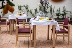Terraza residencia de ancianos SARquavitae Condes de Corbull