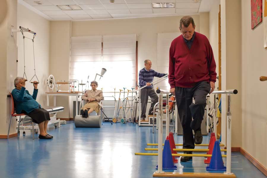 Gimnasio de rehabilitación de la residencia geriátrica en Madrid SARquavitae Albufera