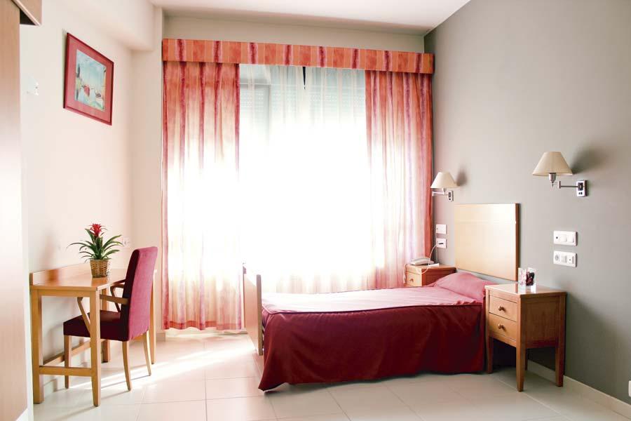 Habitación individual residencia de ancianos SARquavitae Miraflores