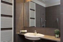 Baño residencia para mayores SARquavitae Costa d&#39 en Blanes