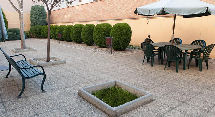 Terraza residencia de ancianos SARquavitae Jaume Nadal Meroles Lleida