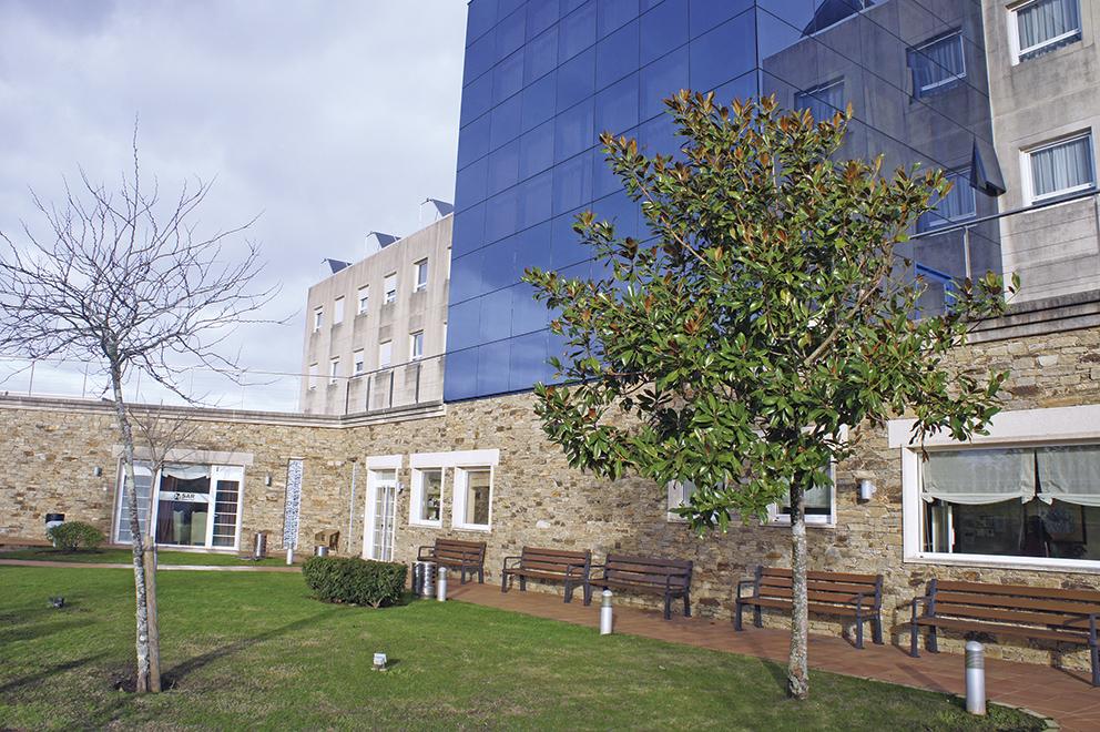 Edificio exterior residencia de ancianos SARquavitae San Lázaro Santiago de Compostela