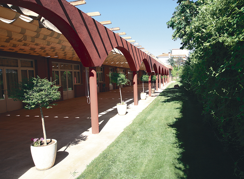 Exterior residencia tercera edad SARquavitae Monte Val