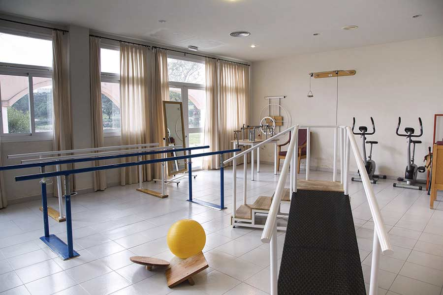 Gimnasio para rehabilitación de la residencia para la tercera edad SARquavitae Monte Jara