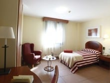 Habitación individual residencia para mayores SARquavitae Villa Sacramento