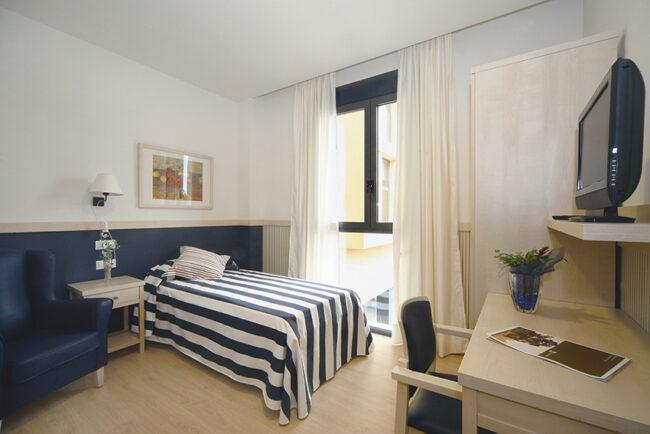 Habitación residencia para ancianos SARquavitae Capdepera