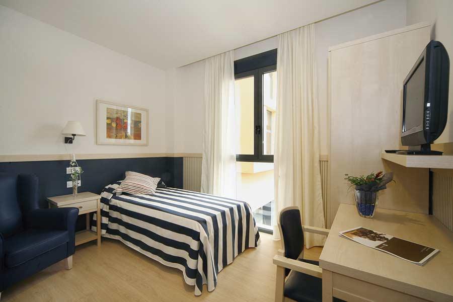 Habitación individual de la residencia sociosanitaria SARquavitae Capdepera