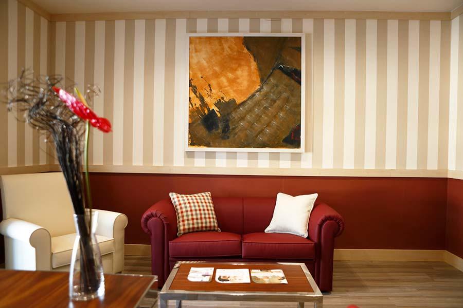 Sala residencia para la tercera edad SARquavitae Villa Sacramento