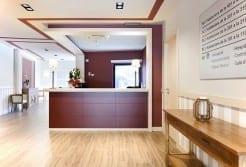 Residencia Ancianos Barcelona - Recepción doble residencia para la tercera edad SARquavitae Sant Jordi