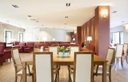 Residencia Ancianos Barcelona - Sala doble residencia para la tercera edad SARquavitae Sant Jordi