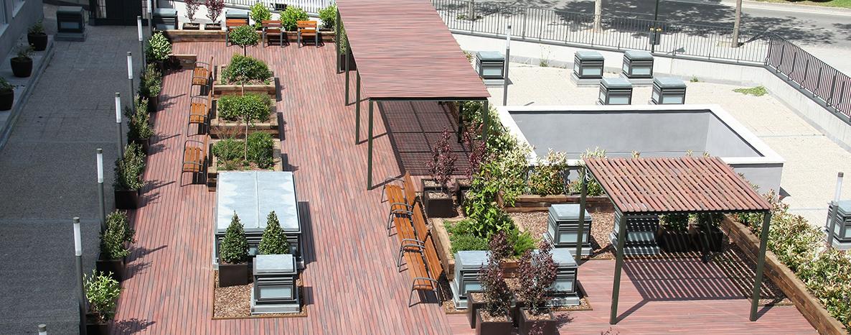 Terraza residencia para ancianos SARquavitae Zalfonada Zaragoza