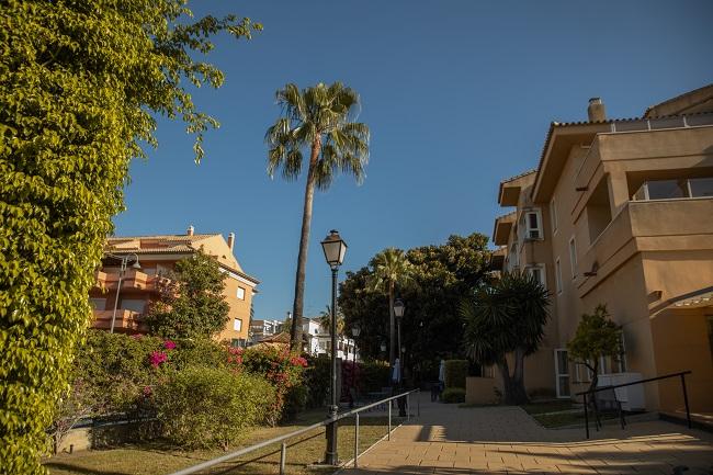 Residencia mayores Azalea Marbella Jardín1