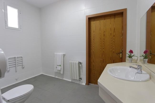 Residencia para mayores Huelva Monte Jara Baño