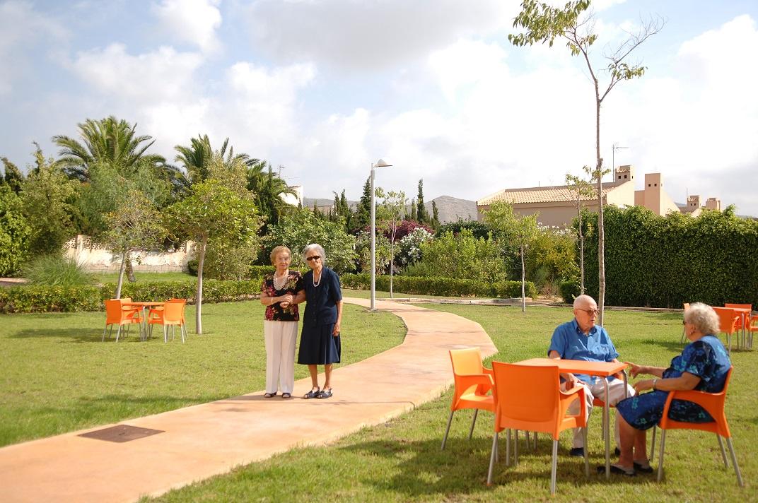 Residencias Ancianos Alicante - Jardín
