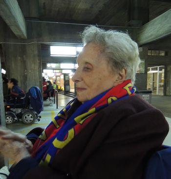 Martina-de-100-años-cumple-su-sueño-de-volver-a-ir-al-Camp-Nou