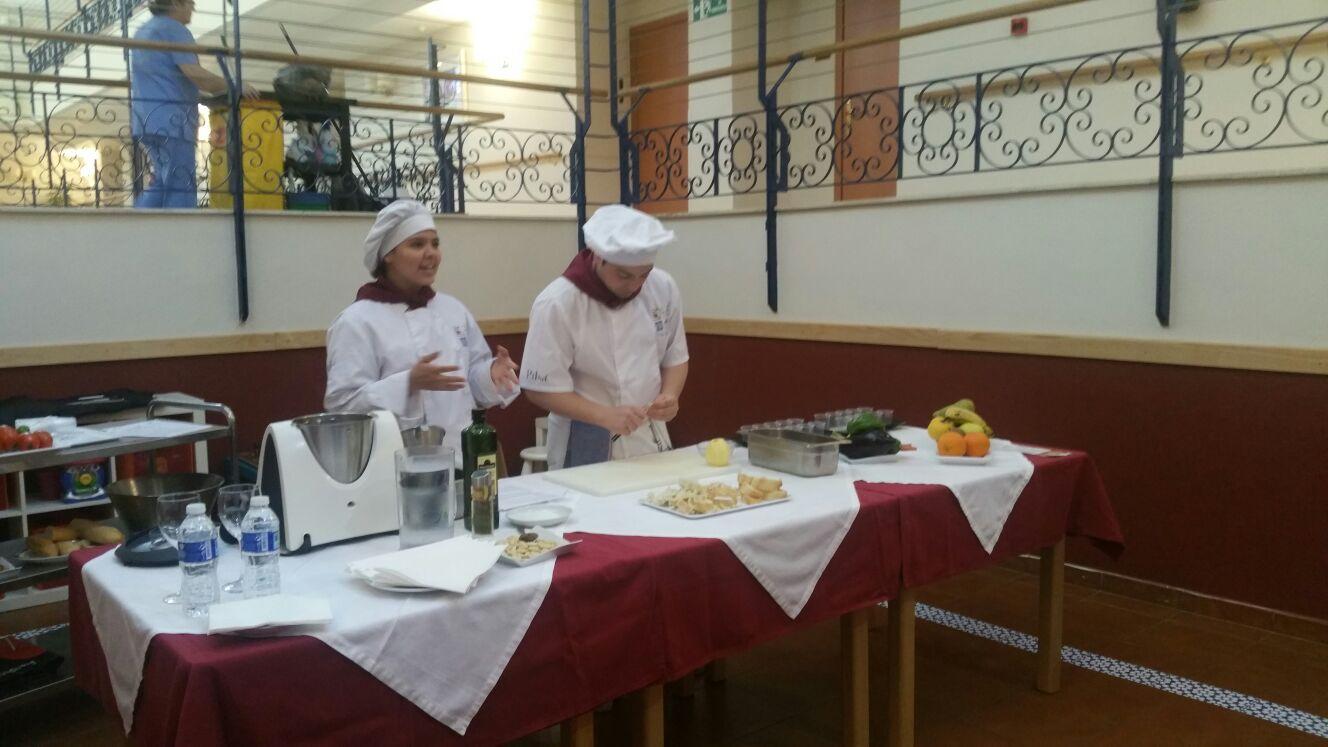 160330 azalea show cooking2