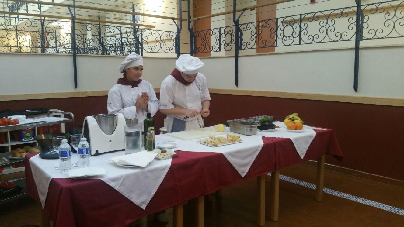 160330 azalea show cooking3