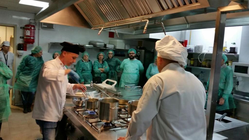 160331 Serrallo Show cooking