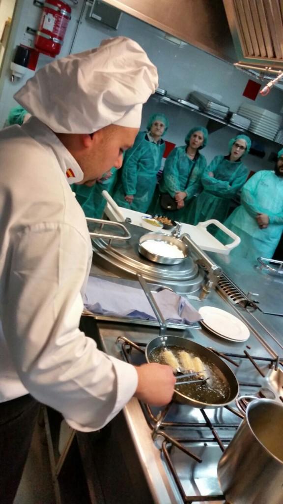 160331 Serrallo Show cooking2