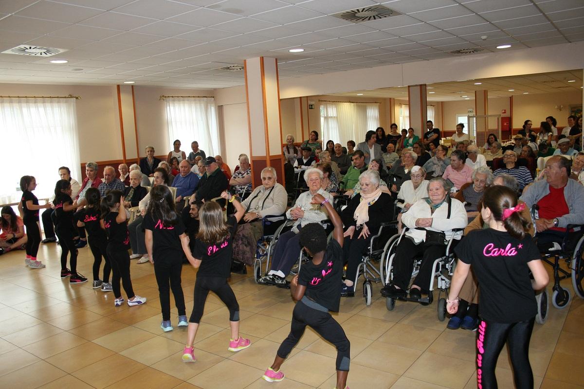 Actuación Pasito de Baile en SARquavitae San Lázaro