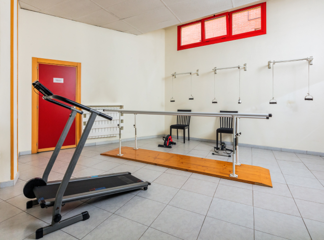 Residencia mayores Colloto gimnasio