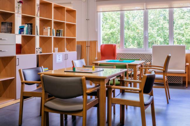 Residencia mayores Carancos biblioteca