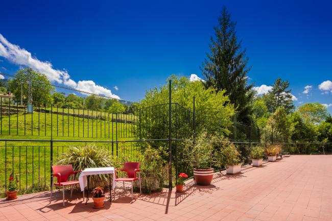 Residencia mayores Carancos jardín