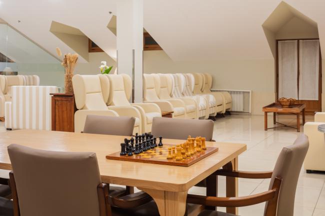 DomusVi-residencia-mayores-La-Sirena-sala-estar