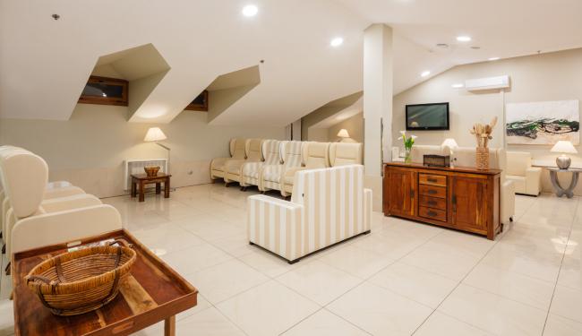 DomusVi-residencia-mayores-La-Sirena-sala-grande