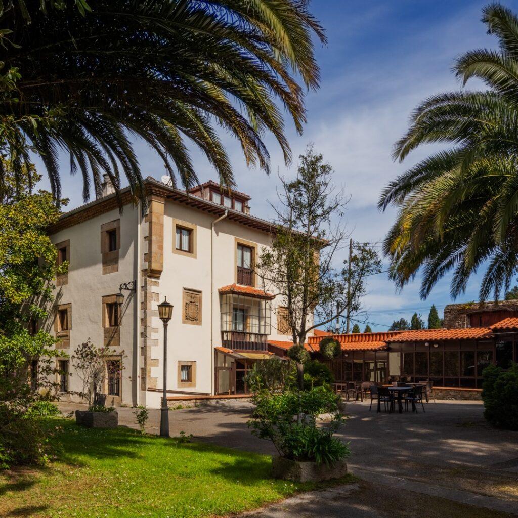 Residencia de mayores Palacio de Caldones Asturias Fachada