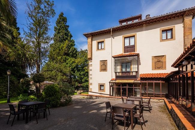Residencia de mayores Palacio de Caldones Asturias Jardín