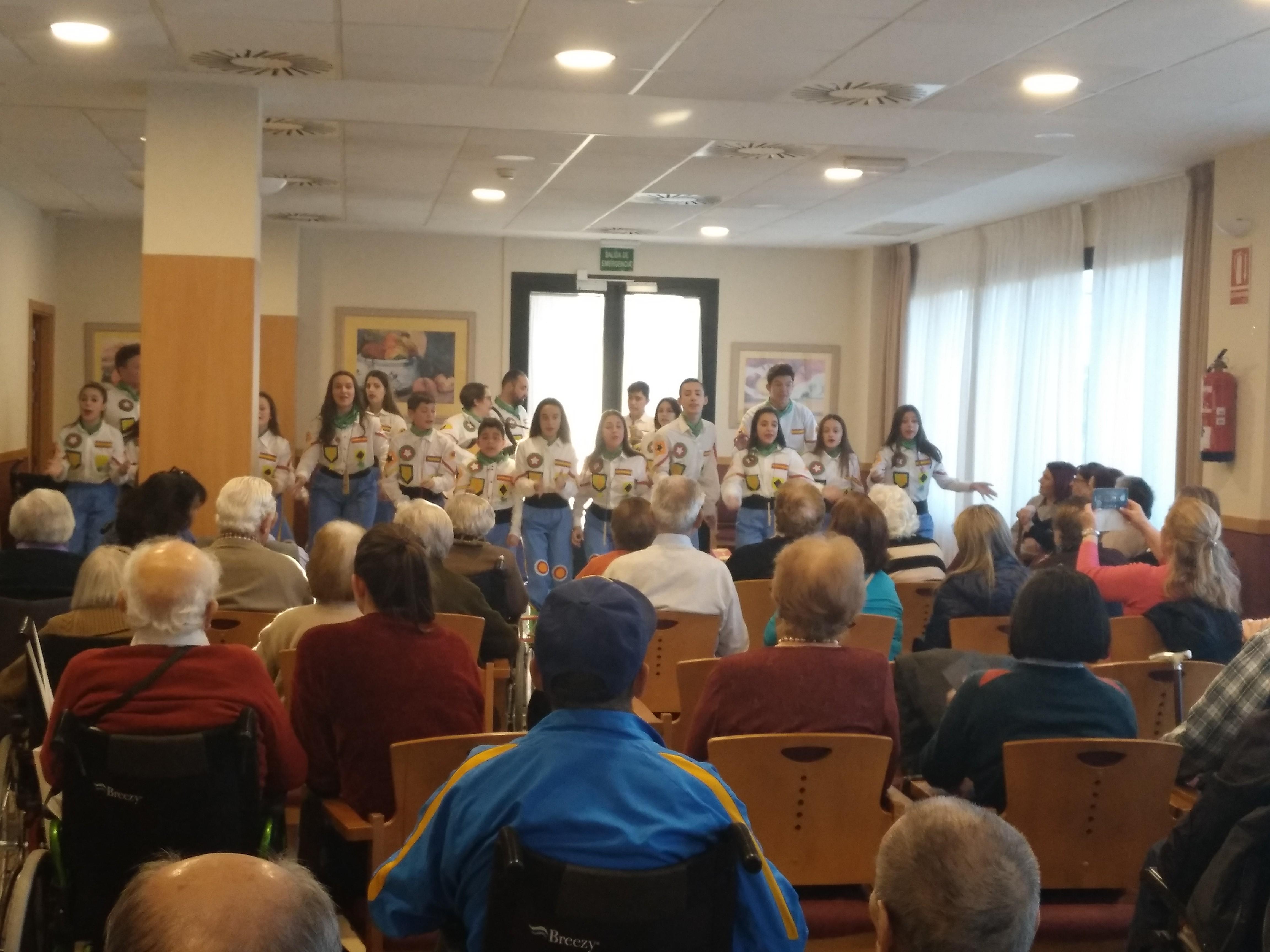 Actuación Murga en DomusVi Ciudad de Badajoz3