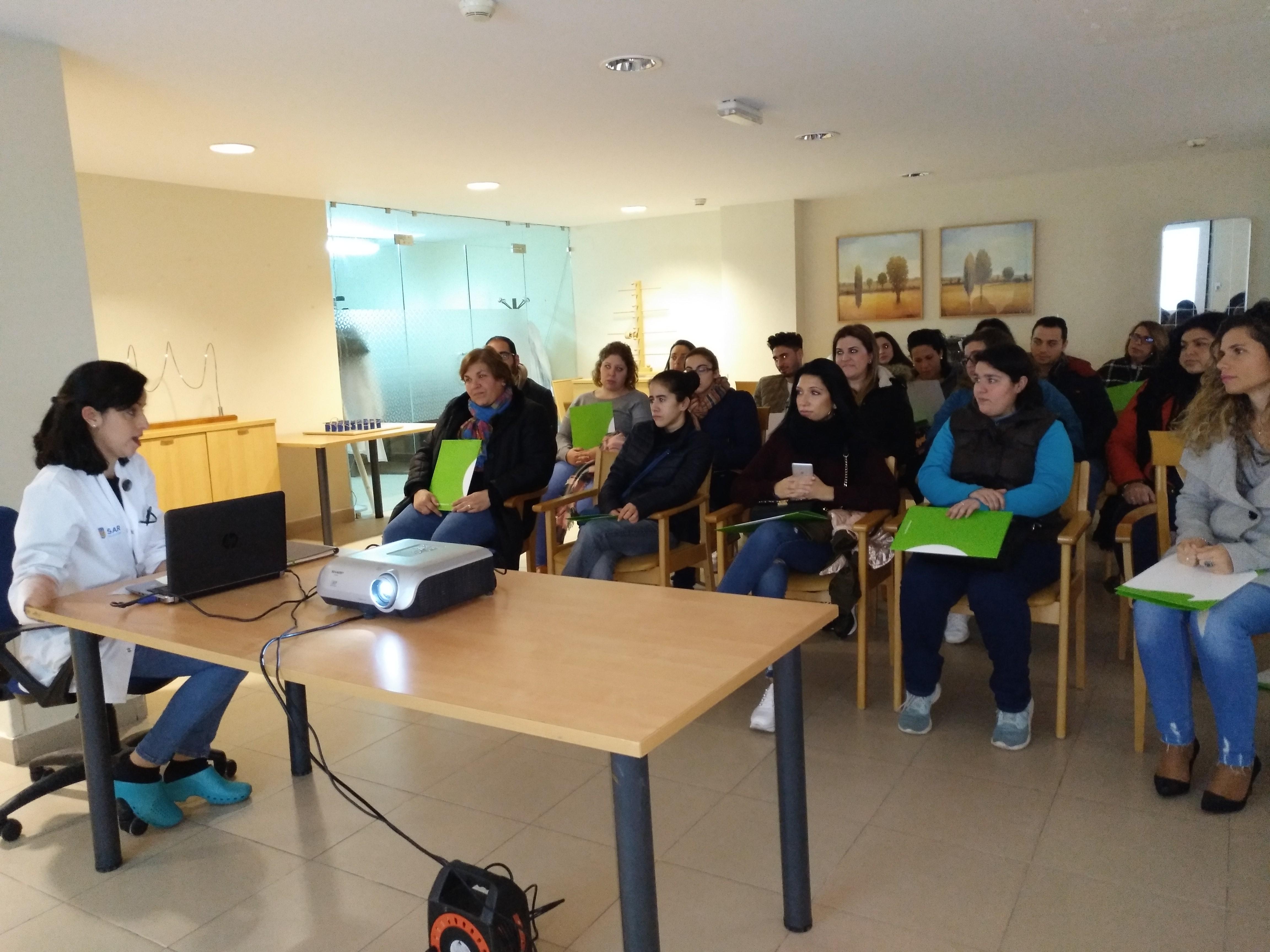 Visita alumnos Cuida2 en Esparragalejo DomusVi Ciudad de Badajoz