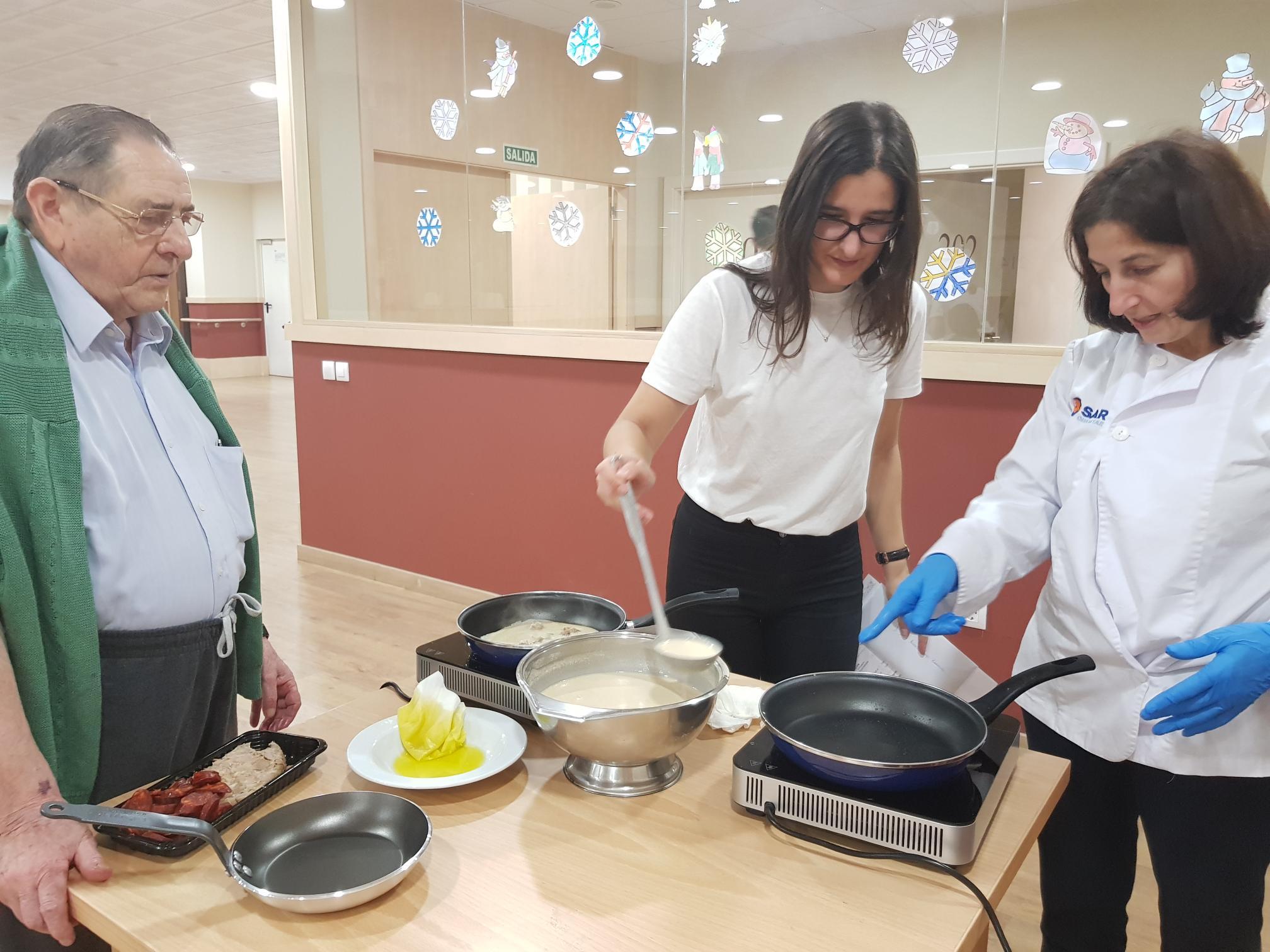 Marta Nati Ricardo cocinando Matogrande