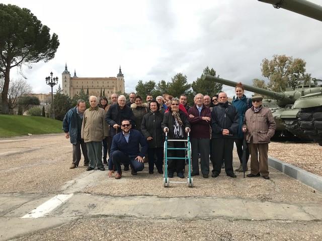 Residencia Mayores Valdeolivas visita Acedemia Infantería Toledo ii