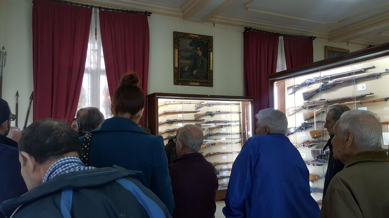 Residencia Mayores Valdeolivas visita Acedemia Infantería Toledo iv
