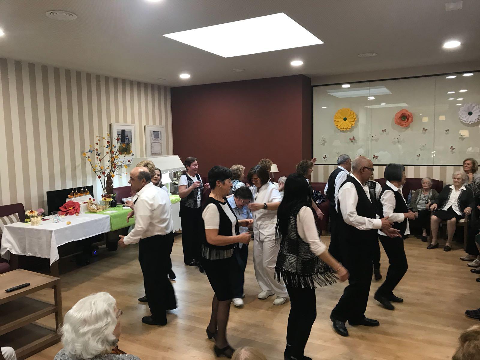 fiesta indio baile cerca de Sabadell