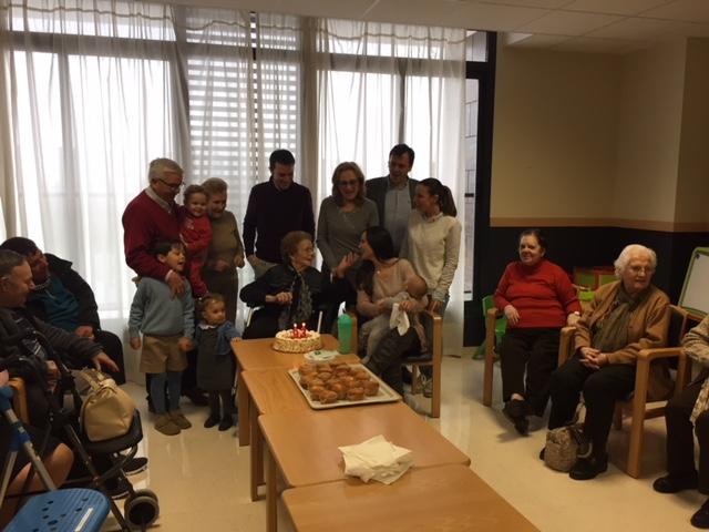 Celebración 93 años DomusVi Remedios