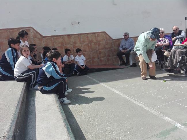 Juegos populares DomusVi Remedios y Colegio Jesús Nazareno