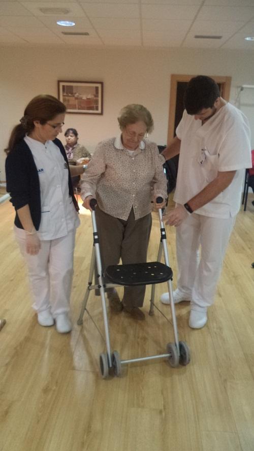 grado de fisioterapia en la residencia de mayores Domusvi Fuentesol