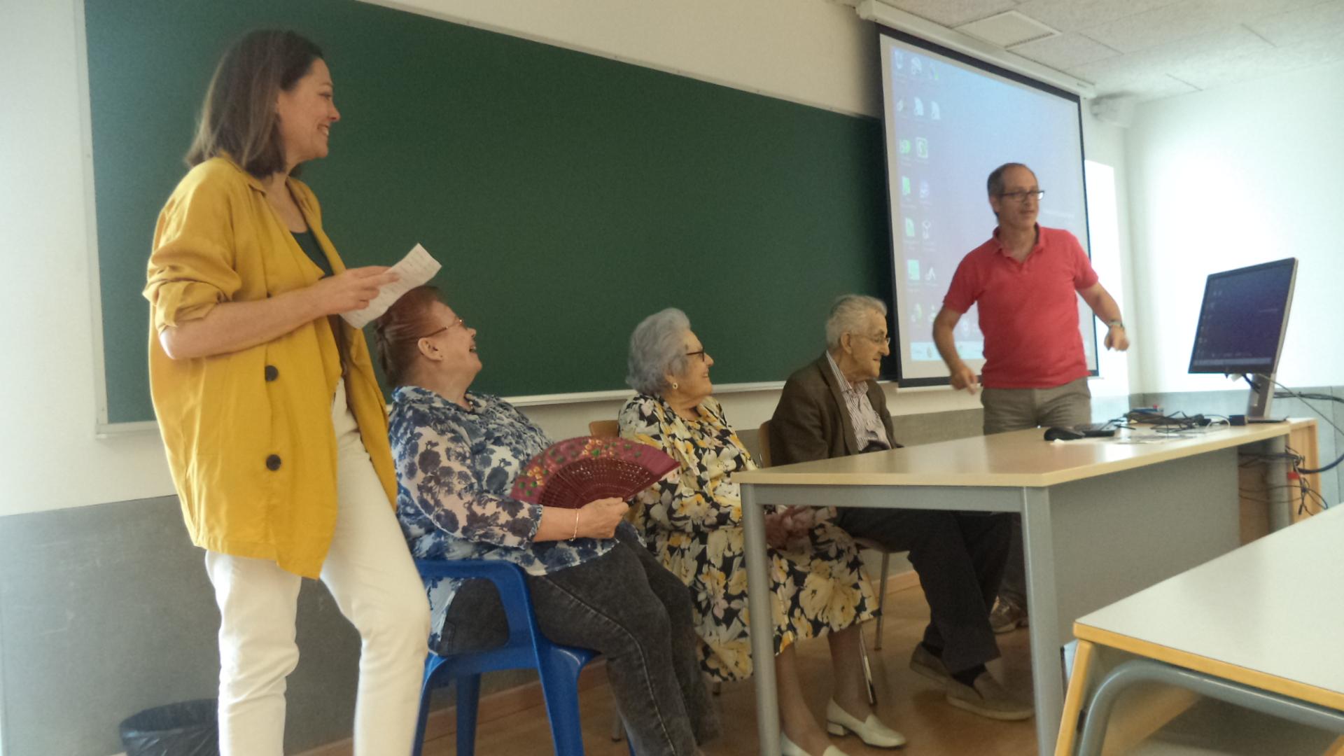 Charla de los mayores de Domusvi Fuentesol en la UMA