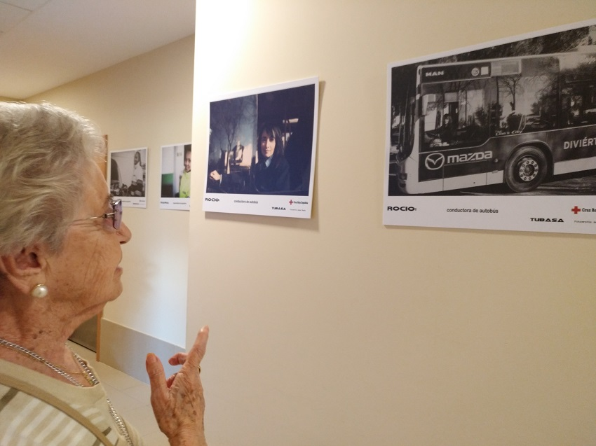 Exposición Cruz Roja en DomusVi Ciudad de Badajoz