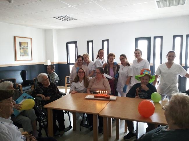 Cumpleaños mes de mayo en DomusVi Remedios